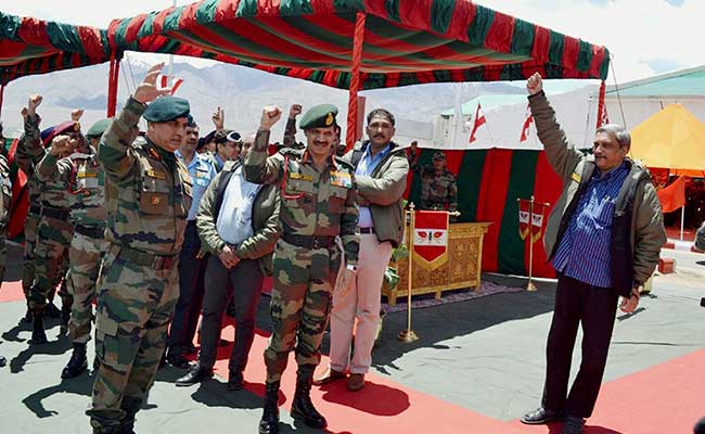 Defence Minister Manohar Parrikar Meets Troops at Siachen Base Camp